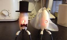 portal-cake-toppers