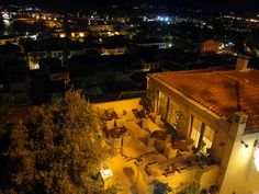 Amfitriti Palazzo Pension in Nafplio, Greece. View by night. Palazzo Hotel, Neoclassical, Old Town, Venetian, The Locals, Greece, Old Things, Hotels, Cabin