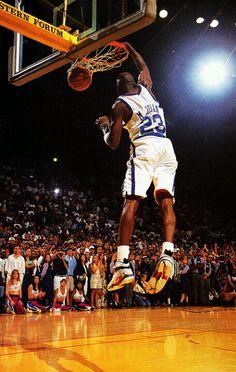 flight-tim e: The rare. Michael Jordan Unc, Mike Jordan, Michael Jordan Pictures, Jeffrey Jordan, Michael Jordan Basketball, Basketball Jones, I Love Basketball, Basketball Pictures, Basketball Legends