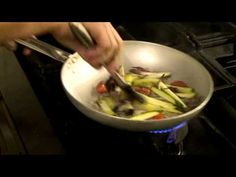 ▶ Branzino al cartoccio con verdure: lo chef Massimo!! - YouTube