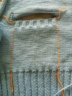 Best Way to Attach Knit Pockets to a Knit Garment – Knitting patterns, knitting designs, knitting for beginners. Knitting Help, Knitting For Beginners, Knitting Stitches, Knitting Designs, Knitting Needles, Knitting Projects, Baby Knitting, Knitting Machine, Stitch Patterns