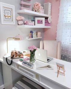 25 Chic Office Desk Arrangements for your home office. Treat yourself and makeover your home office. Home Office Space, Home Office Design, Office Designs, Office Workspace, Office Setup, Office Desk Lamps, At Home Office Ideas, Office Furniture, Home Office White Desk