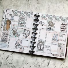 Swipe ▶️▶️▶️ to see this kit lid out in the HP and the sale code 😍 It also comes in EC and personal. Planner Layout, Life Planner, Happy Planner, Daily Planners, Planner Decorating, Sticker Shop, Autumn Fall, Art Journals, Planner Stickers