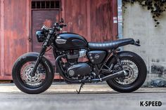 I seriously am into just what these guys did with this custom-made Indian Motorcycles, Triumph Motorcycles, Triumph Bonneville Custom, Triumph Bonneville T100, Custom Motorcycles, Custom Bikes, Suzuki Cafe Racer, Triumph Cafe Racer, Cafe Racer Bikes