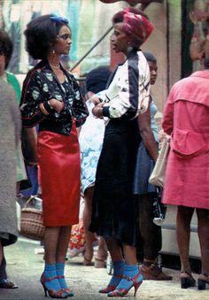 Women, Brixton Market 1972  I LOVE THIS!!!