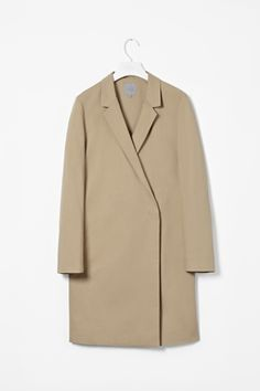 Straight spring coat