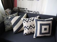 sofa preto almofadas preto e branco - Pesquisa Google