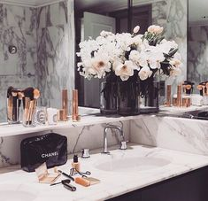 Rose gold and marble bathroom | P I N T E R E S T | @jamaicamayy ♡