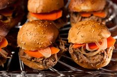 Beer-Braised Pulled Pork Sliders http://www.chow.com/recipes/27754-beer-braised-pulled-pork-sliders