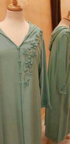 Islamic Fashion, Muslim Fashion, Modest Fashion, Fashion Outfits, Modele Hijab, Arabic Dress, Formal Tops, Moroccan Dress, Dress Neck Designs