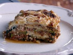 Zucchini Lasagna Zucchini Slice, Zucchini Lasagna, Bechamel Sauce, Saute Onions, Meat Sauce, Dinner Tonight, Pasta, Stuffed Peppers, Ethnic Recipes
