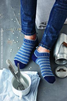 Knitting Socks, Hand Knitting, Knitting Patterns, Knit Socks, Fun Photo, Work Gloves, Moda Emo, Engagement Ring Cuts, Man Fashion