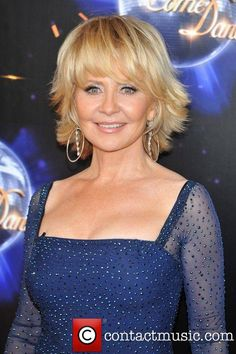 Look Younger With Lulu Hairstyles 7 - Yasmin Fashions Lulu Hairstyles, Bob Hairstyles For Fine Hair, Hairstyles Over 50, Short Hair With Layers, Layered Hair, Short Hair Cuts, Medium Hair Styles, Short Hair Styles, Shaggy Short Hair