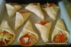 Pizza kornoutky se šunkou a sýrem Pizza Snacks, Bread And Pastries, Food Festival, Yummy Appetizers, Finger Foods, Brunch, Food And Drink, Cooking Recipes, Ethnic Recipes