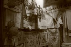 Guimarães traditional embroideries and its mutiple applications. Usually flax is the basis for this beautifull and superb designs.