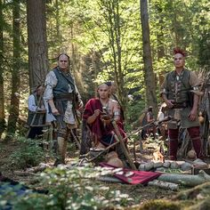 New photo of the members that will portray the Cherokee and Mohawk nations - Outlander_Starz Season 4 - Drums of Autumn - posted up June 2018 Outlander Book Series, Outlander Casting, Outlander Tv, Outlander Quotes, Claire Fraser, Jamie Fraser, Costumes Outlander, North Carolina, History