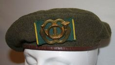 Dutch brown beret made of 4 parts between with Garde Jagers badge and the first model woven background. Probably made in Netherlands Indies Military Insignia, Beret, Badges, Tanks, Dutch, Period, Captain Hat, Patches, Army