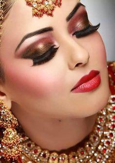 Bridals Eyes Makeup 30 Latest Bridal Eye Makeup Looks Indian Bridal Makeup Series Bridals Eyes Makeup 21 Latest Bridal Eye Makeup Looks Every Bride Needs To Know Wedabout. Bridals Eyes Makeup 30 Latest Bridal Eye Makeup Looks Indian. Bridal Makeup Tips, Wedding Day Makeup, Bridal Makeup Looks, Bride Makeup, Bridal Beauty, Hair Makeup, Makeup Salon, Wedding Nails, Pakistani Bridal Makeup