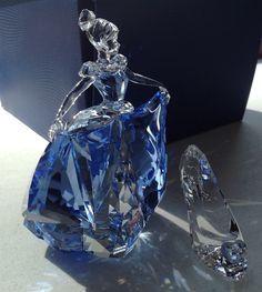 Swarovski Crystal Figurine Brand New 2015 Cinderella Slipper Swarovski Crystal Figurines, Swarovski Jewelry, Crystal Jewelry, Swarovski Crystals, Gold Jewellery, Tiffany Jewellery, Silver Jewelry, Key Jewelry, Crystal Decor