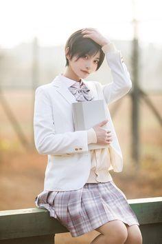 (1) 帅嘤嘤さん (@komoshuai) / Twitter School Uniform Fashion, School Girl Outfit, Human Poses Reference, Beautiful Japanese Girl, Asia Girl, Japanese Models, Instagram Girls, Girl Poses, Monster