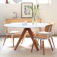 Our Round Marble Dining Table Is An Exquisite Dining Table Ideal For Residential Use Featuring Beautiful Oak Legs With Copper Detail And A