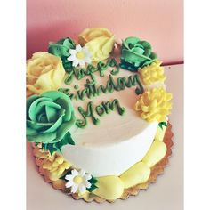 Bakery is located in the heart of downtown New Braunfels, Texas and focuses on producing quality baked goods completely from scratch daily. Buttercream Cake, Frosting, Green Birthday Cakes, Green Cake, Wafer Paper, Bakery Cafe, Flower Cakes, Cake Gallery, Floral Cake
