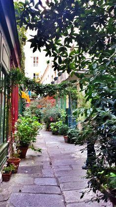 Passage de l'Ancre, Paris by @kali_story
