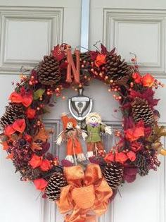DIY Home Decor DIY Fall Crafts : DIY Pine Cover and Berries Wreath