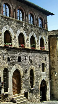 GUBBIO (Umbria) - by Guido Tosatto Italy Art, Visit Italy, Travel Info, Italy Travel, Travel Inspiration, Cities, Around The Worlds, Europe, Vacation