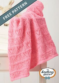 Heartfelt Knitted Lace Baby Blanket [FREE Knitting Pattern] Show your love by crafting this adorable knitted lace baby blanket with a cutesy heart pattern. Easy Blanket Knitting Patterns, Winter Knitting Patterns, Free Baby Blanket Patterns, Baby Patterns, Knit Patterns, Free Knitting, Finger Knitting, Knitting Machine, Baby Shawl