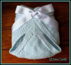 En lana, perlé y angora para bebé: Tutorial cubre-pañal azul. Primera puesta