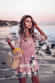Clothes for Romantic Night - Malibu Moment - If you are planning an unforgettable night with your lover, you can not stop reading this! Cool Outfits, Summer Outfits, Summer Dresses, Latest Outfits, Viva Luxury, Luxury Blog, Music Festival Outfits, Boho Fashion Summer, Bohemian Fashion
