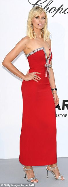 Models arrive in style at the amfAR Gala at Cannes Film Festival b2a88cae477