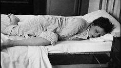 Robert Capa, Gerda Taro sleeping