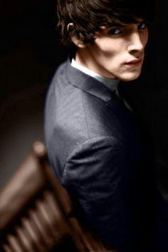 Colin Morgan... LOOK at those cheekbones!!! I could cut myself on those!!!!!!!!!!!!