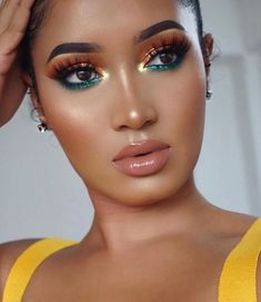 Professional Makeup Artist Course (Step by step Most modern and PERFECT makeups !) - Isn& it time to put a stop to that job that gives you no pleasure and start investing in your - Glam Makeup, Gold Eye Makeup, Flawless Makeup, Cute Makeup, Girls Makeup, Gorgeous Makeup, Pretty Makeup, Hair Makeup, Makeup Eyebrows