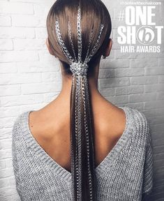 Chained PONYTAIL⛓ we've seen it with glitter.how about some chains? look styled by ✨ inspired… Chained PONYTAIL⛓ we've seen it with glitter.how about some chains? look styled by ✨ inspired… Ponytail Hairstyles, Weave Hairstyles, Girl Hairstyles, Wedding Hairstyles, Hairstyle Photos, Ponytail Ideas, Hairstyle Ideas, Hair Ideas, Hair Inspo