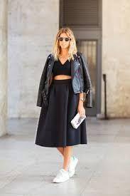 Afbeeldingsresultaat voor midi skirt black style sneakers