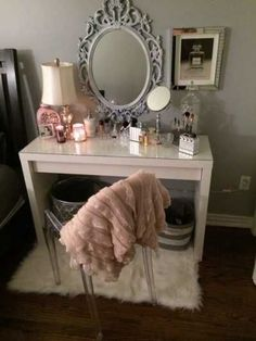 Teen Girl Room Designs with Makeup Vanity – Cute Teenage Girl Bedroom Ideas: Cool Teen Girl Room Decor Ideas and Designs – See The Best Ways To Decorate A Bedroom For Teen Girls - Home Design Interior, Beauty Room, Home Decor, Room Inspiration, Apartment Decor, Room Decor, Bedroom Decor, Decor Therapy, Vanity Room