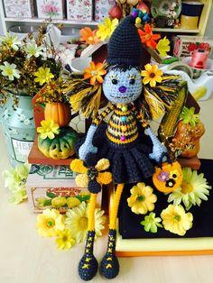 Amigurumi Doll, Wreaths, Dolls, Country, Halloween, Crochet, Decor, Crochet Dolls, Baby Dolls