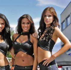 Dirty Friday: Monster vs Budweiser…hot auto gals (94 HQ Photos)