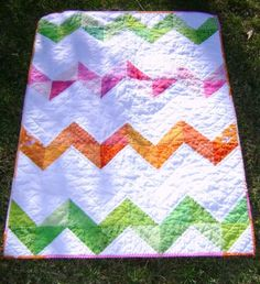 audreypawdrey: New Zig Zag Baby Quilt  This is the front.