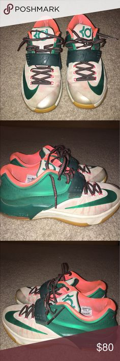 "KD 7 ""Easy Money"" A pair of worn KD 7s. These are in pretty good condition and feel very snug still. The soles and the shoe as a whole feel very sturdy. The only flaws are a little bit of dirt and some paint chippings on the back, but very small chips. Everything else is in the pictures. I'm open to trades and OPEN TO NEGOTIATE. Nike Shoes Sneakers"