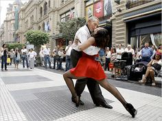tango in the street of Buenos Aires