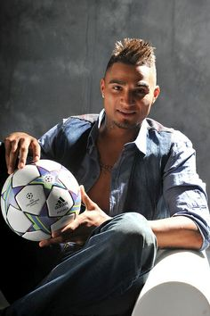 Kevin Prince Boateng-Ghana, FC Schalke 04 (GER) Ghana Football, Ac Milan, Cute Couples, Prince, Celebrity, Celebs, Sports, Celebrities, Hs Sports