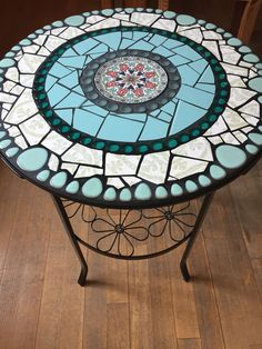 Mosaic Outdoor Table, Mosaic Tile Table, Outdoor Table Tops, Tile Tables, Outdoor Coffee Tables, Mosaic Diy, Mosaic Furniture, Round Side Table, Mosaic Projects
