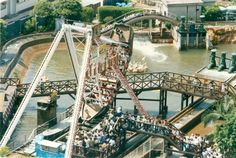 Barco Viking, no parque de diversões Playcenter, em São Paulo, 09/02/1997 - J.J. Leister/Estadão
