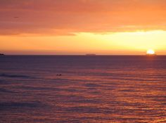 沖縄もだいぶ日が長くなって来ました 何気にこの写真には色んなものが映ってます #沖縄#西海岸#サンセット#instagood#seanasurf #wave #reef #恩納村##飛行機#春休み#旅行#夕陽#夕焼け#真栄田岬#残波岬