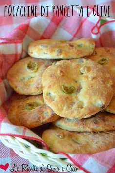 italian recipes for two Gourmet Recipes, Bread Recipes, Cooking Recipes, Baking And Pastry, Bread Baking, Focaccia Pizza, Pancetta, Galette, Snacks