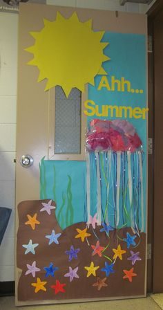 Ahh… Summer- Door Decoration. **Could be a cute bulletin board too!**